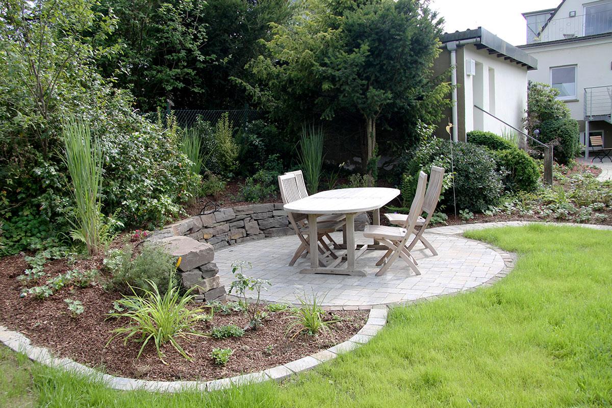 mit schwung ins gartenzimmer garten und landschaftsplanung brigitta oetken. Black Bedroom Furniture Sets. Home Design Ideas